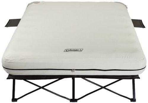 cama plegable coleman queen con mesas laterales y bomba de b