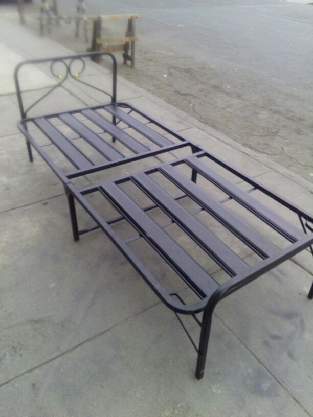 Cama plegable reforzada de plaza y media tipo comodoy s for Cama de plaza y media