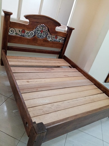 cama rústica tamaño king de segunda