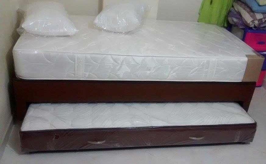 Cama tarima con colchon abajo medellin y cercanos for Bases de cama hechas con tarimas