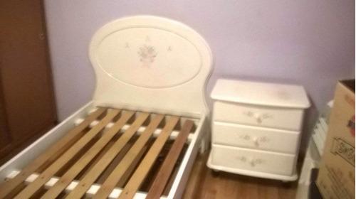 cama y mesa de luz perfecto estado