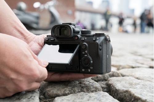 cámara a7 iii de cuadro completo sin lentes intercambiables
