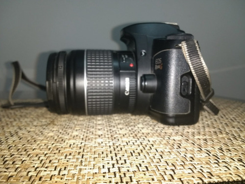 cámara análoga canon eos 500n con estuche
