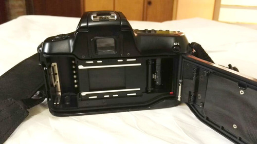 camara analoga reflex nikon n50 + lente 70-210mm + maletín