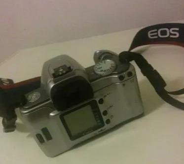 camara canon eos 300v de rollo. 35 mm. analogica