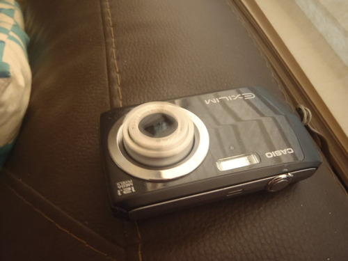 camara casio exilim lente dañado 12.1 mp ex z16