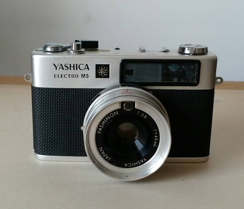 cámara fotográfica yashica electro m5.
