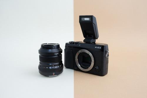 cámara fujifilm xe3 mirrorless con lente 23 mm