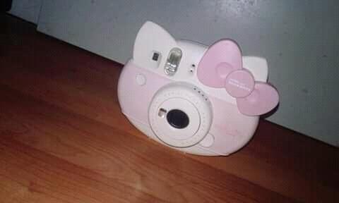 cámara instantánea edición limitada hello kitty