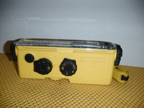 cámara minolta weathermatic a (detalle)