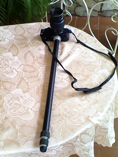 camara nikon con lente konica hexar ar 135mm