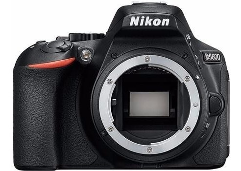camara nikon d5600 con lente 18-55mm de 24mpx video fullhd