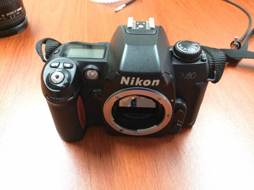 camara nikon n80 + af nikkor 28-200 + accesorios
