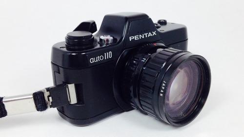 camara pentax auto110 con 3 lentes, 18, 24 y 50 (inv 695)