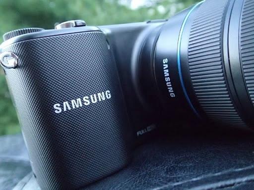 Cámara Samsung Nx2000 20 3mp Wifi 20 50mm 3 7 Tactil Nfc - $ 790 000