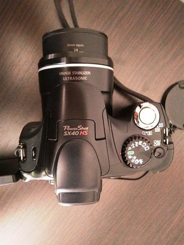 cámara semiprofesional canon