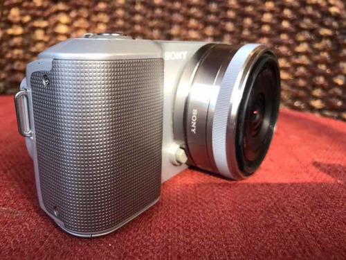 cámara sony nex 3 con viewfinder y flash