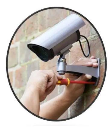 cámaras de seguridad y controles de acceso.