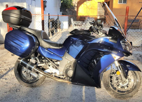 cambio o vendo excelente moto de turismo