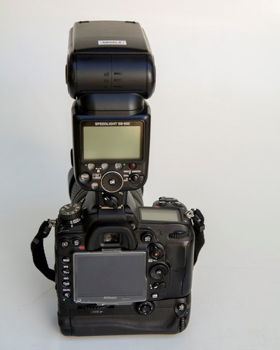 camera nikon d7000 com flash sb800