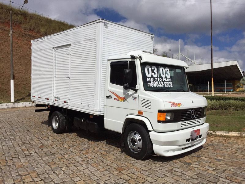 caminhao 3\4 bau mb 710 plus ano 03/03 super nova