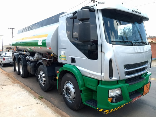 caminhao tanque iveco tector no chassis