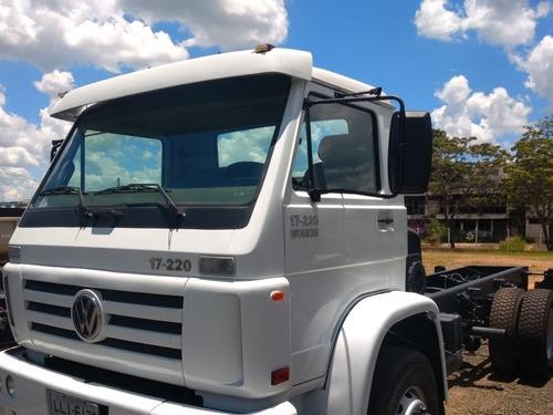 caminhão 17250 vw  para coletar lixo hospitalar