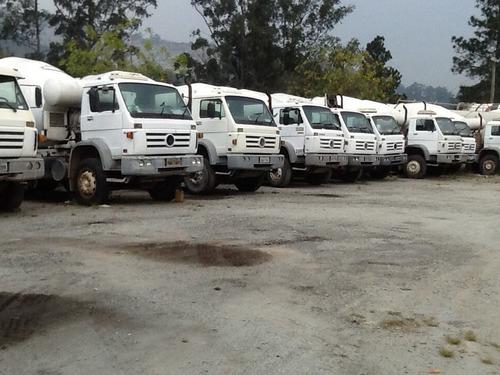 caminhão betoneira de concreto volks 26260e ano 2006 4*eixos