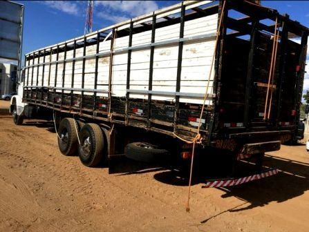caminhão boiadeiro mercedes-benz mb 1218 truck