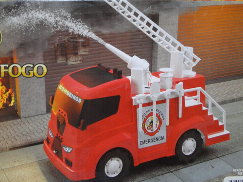 caminhão bombeiro grande com bomba de agua e acessorios