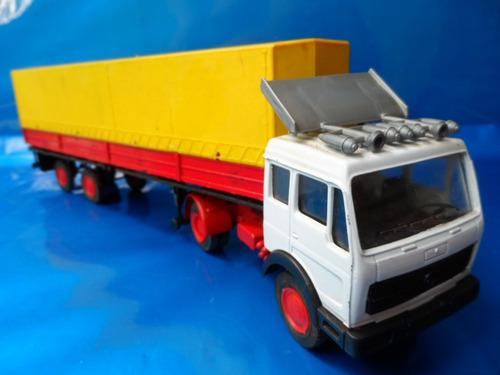 caminhão branco vermelho  1/43 forma boys made in italy novo
