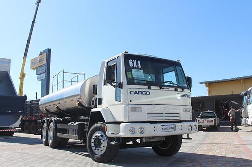 caminhão cargo 2628 trucado 6x4 pipa agua potável 15m