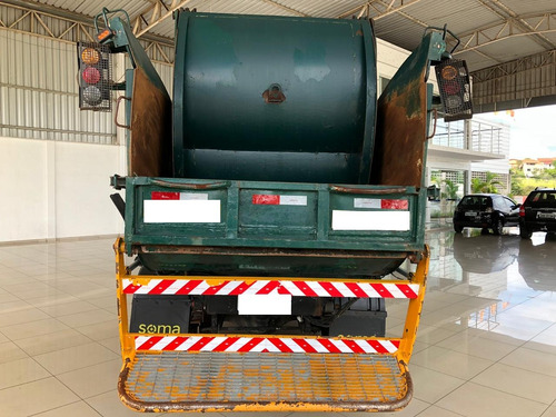 caminhão compactador de lixo mb 915 3/4 2011/2012