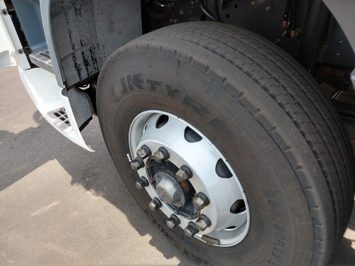 caminhão daf xf 460 6x4 automático