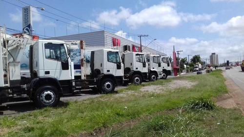 caminhão de lixo iveco 170e22 2011/2011 temos vários
