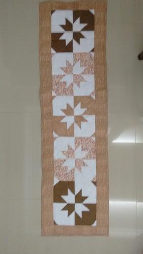 caminho de mesa em patchwork, tecido 100% algodão .