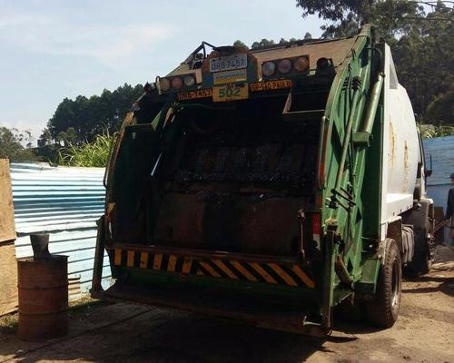 caminhão ford cargo 1717e, compactador de lixo, ano 2006