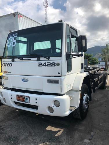 caminhão ford cargo 2428 ano 2006