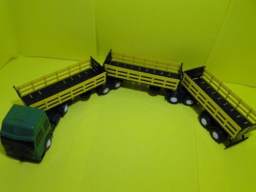 caminhão graneleiro tritrem 1/32 comp.87cm e larg.08,5cm