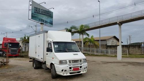 caminhão iveco daily 7013 - furgão