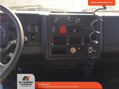 caminhão iveco eurocargo  4x2 450e32t ano 2008