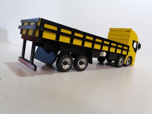 caminhão iveco miniatura