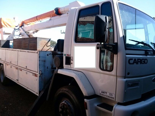 caminhão linha viva , cesto aéreo,cargo 1317