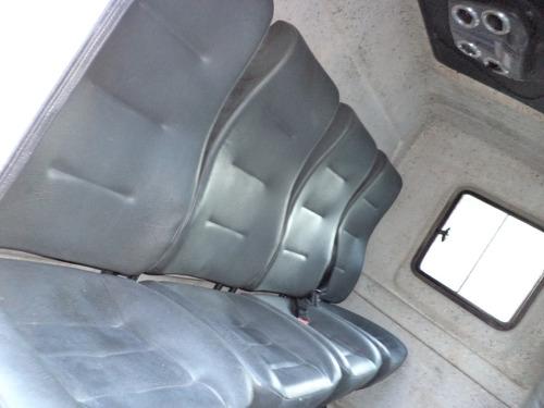 caminhão mb 1016 accelo 2014 guincho plataforma c/ asa delta