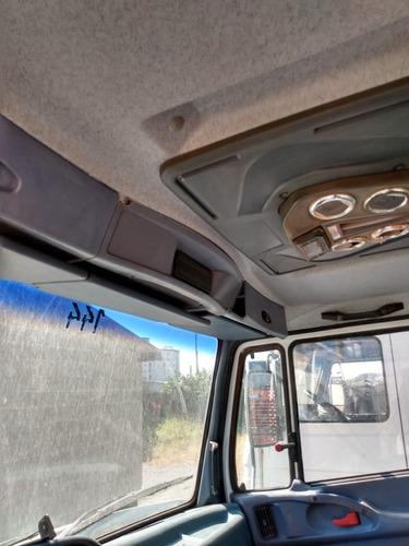 caminhão mb 1318 4x2 no chassi ano 2008