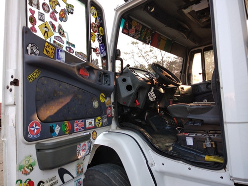 caminhão mb 1620 bau longo