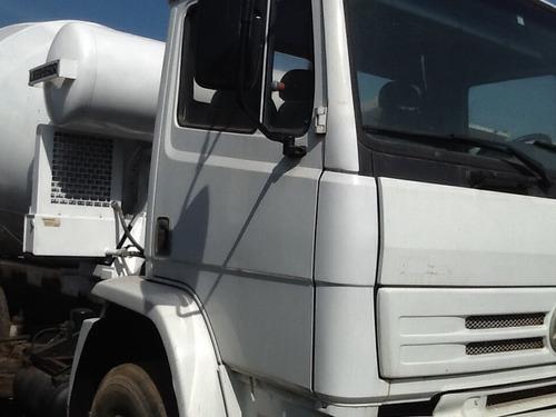 caminhão mb 2423 ano 2002 c/ betoneira de concreto trabalhan