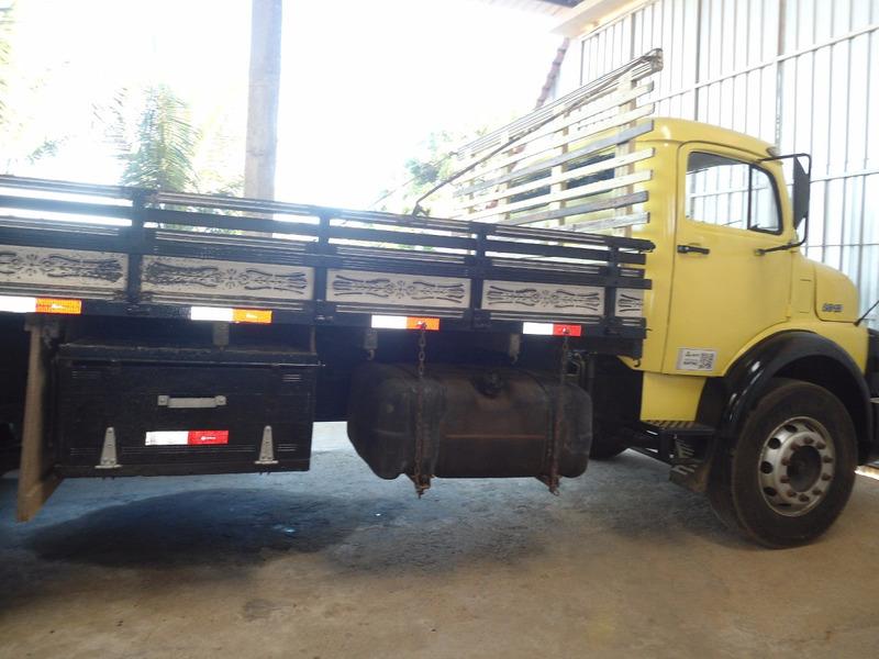 caminhão mercedes 2013
