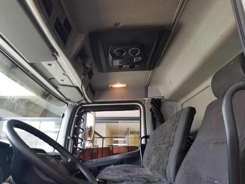 caminhão mercedes 2426
