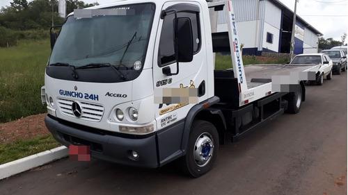 caminhão mercedes b accelo 915c 2011 diesel com plataforma